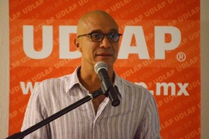 César Trueba - Copia